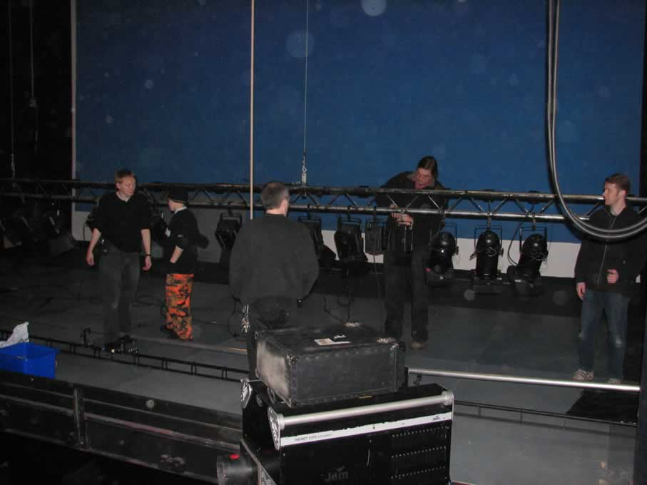 backstage_03